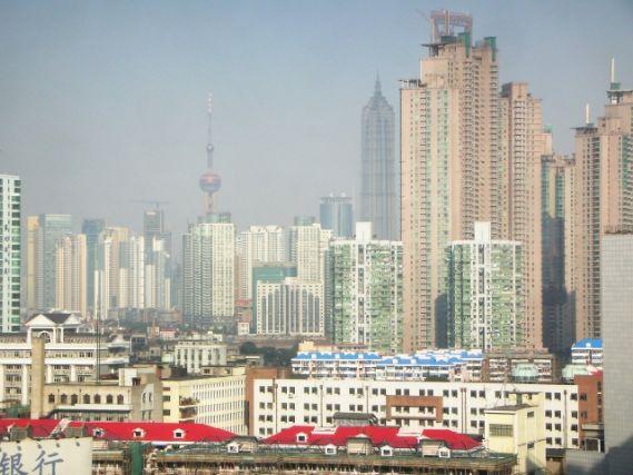 中国の視察先の高層ビル